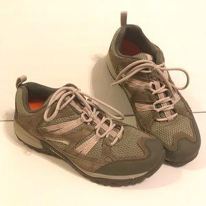 New Merrell Women's Size 11 Performance Footwear